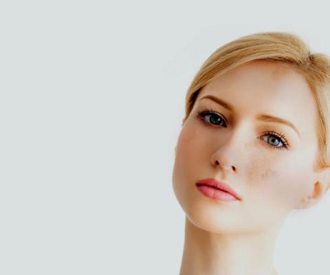Traiter les taches brunes du visage